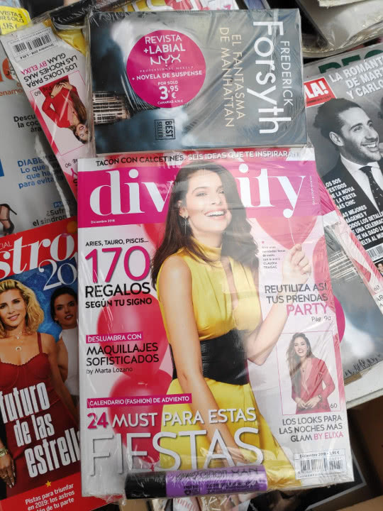 regalos-revista-divinity-diciembre-2018